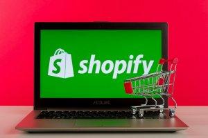 Shopifyに既存Googleアナリティクスにプロパティを紐付ける方法のサムネイル画像