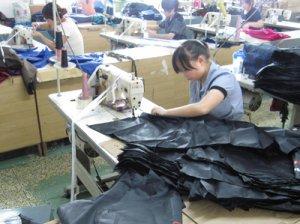 ビニール傘の製造工程のサムネイル画像
