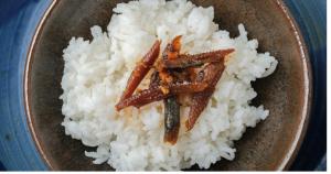 今私の中でバズっている!!アリそうでなかった最高のご飯のお供「柿の種のオイル漬け」のサムネイル画像